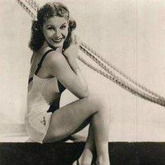 Martha Raye pinup